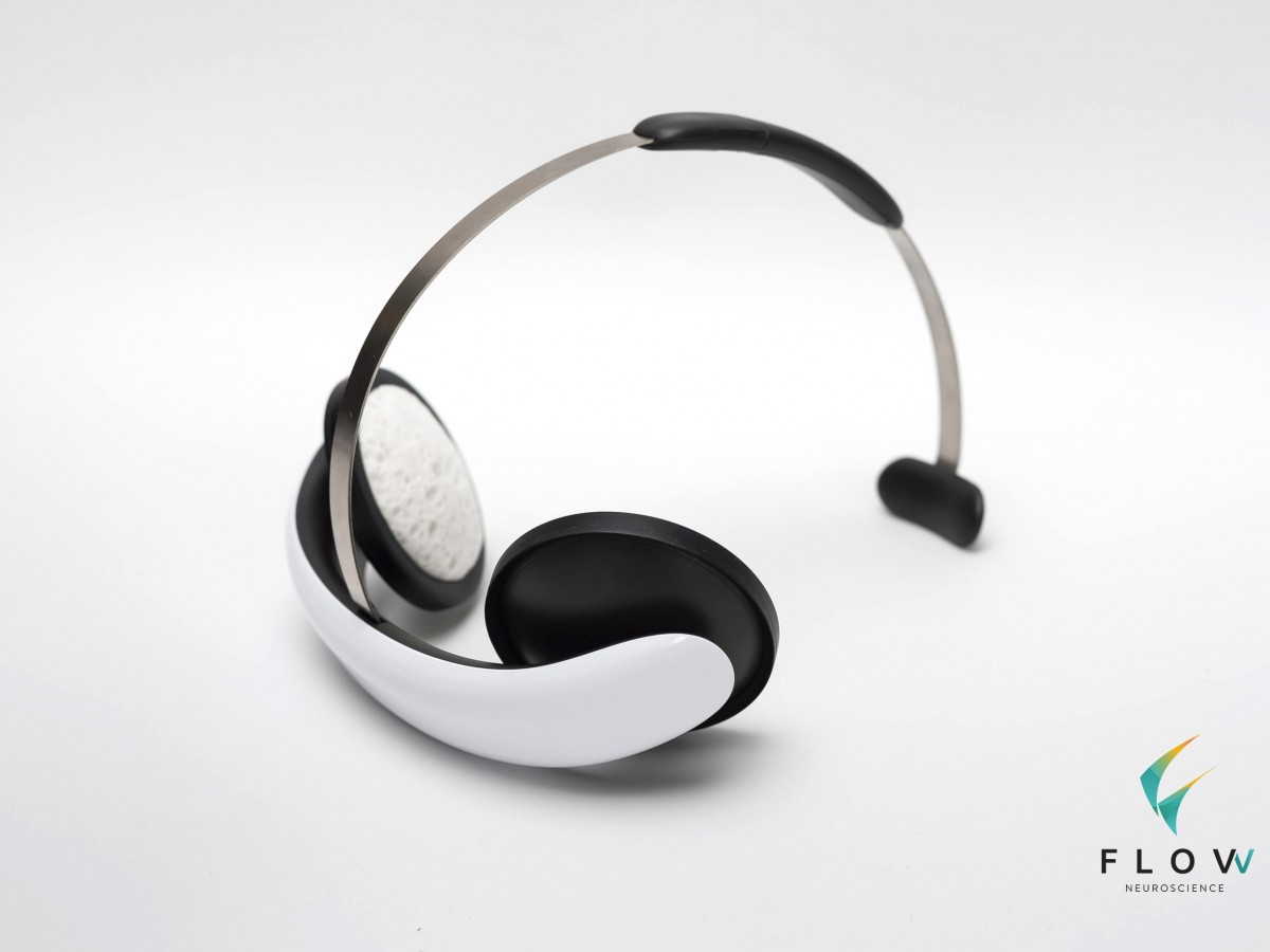 flow-headset-1-with-logo