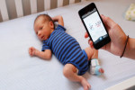 子どもの健康状態をモニタリングするウェアラブルデバイスのOwlet